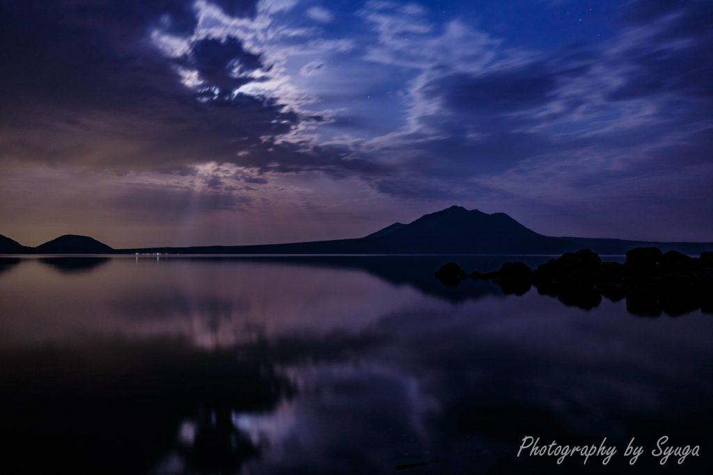 月光の支笏湖