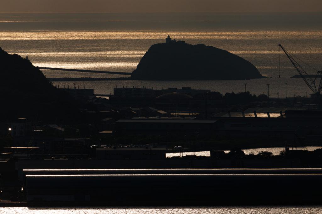 光が入る大黒島