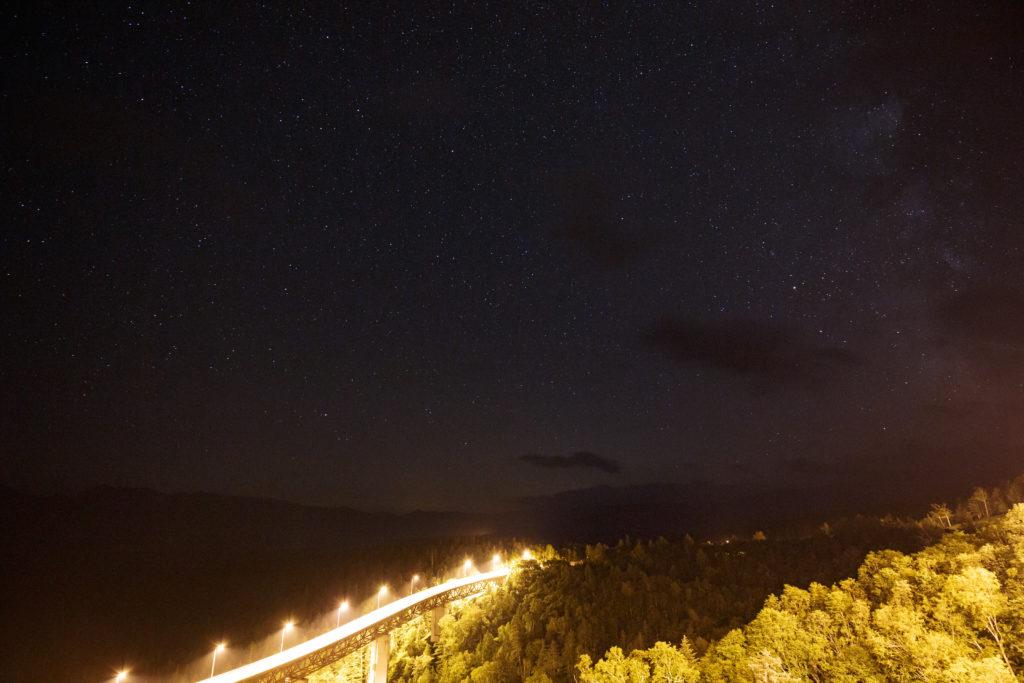 松見大橋と星空