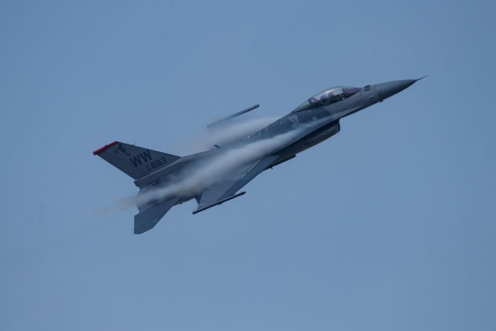 F16機動飛行