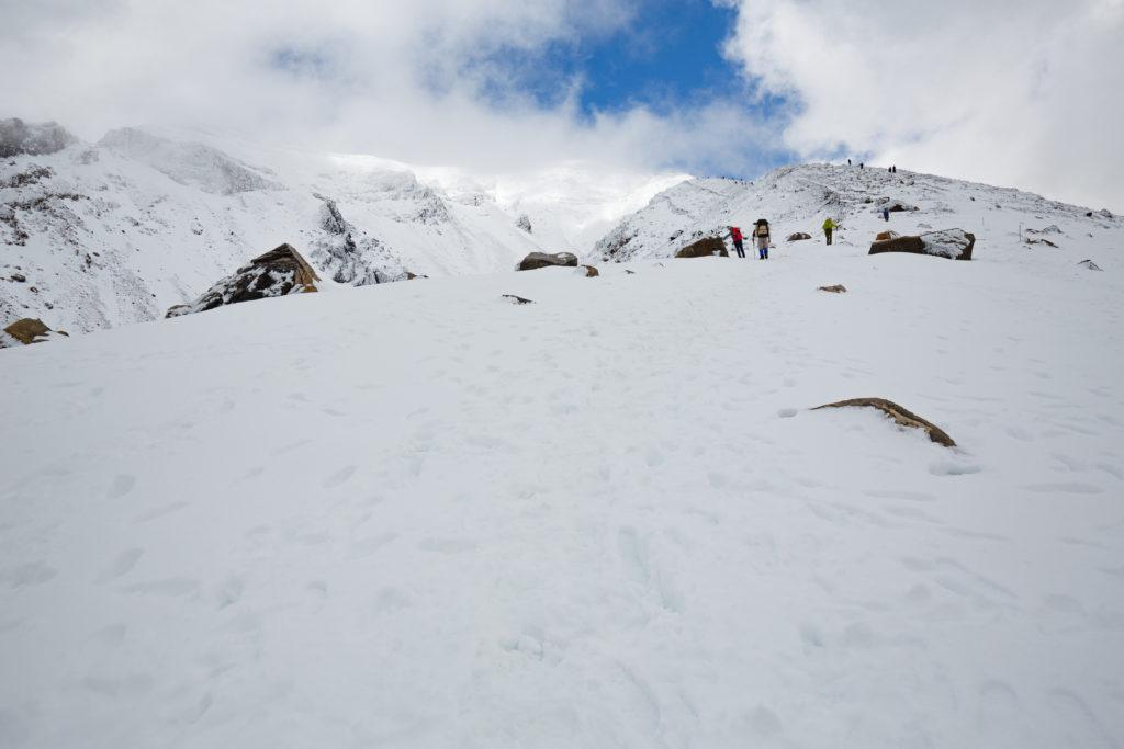 旭岳山頂への道