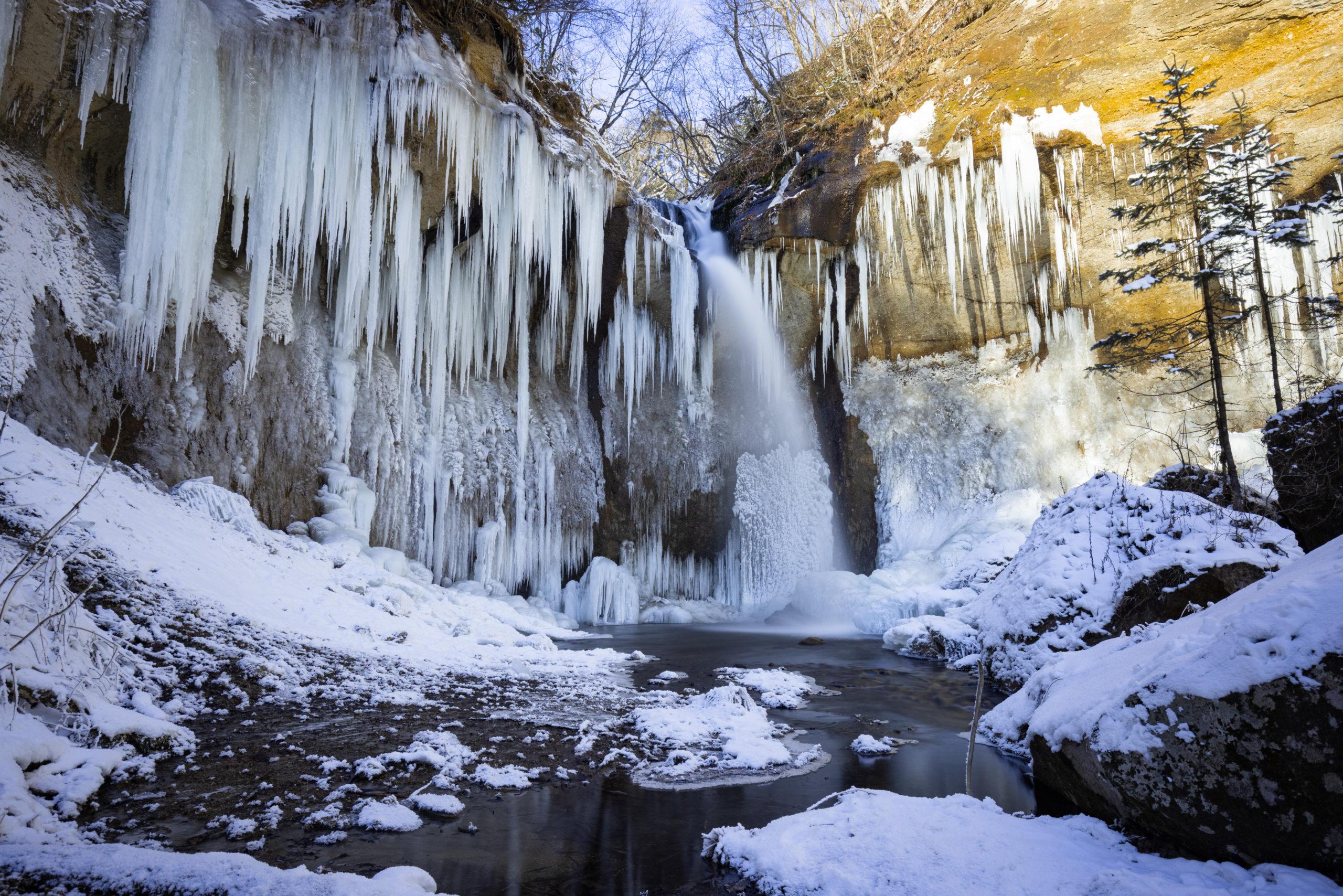 七条大滝の氷瀑