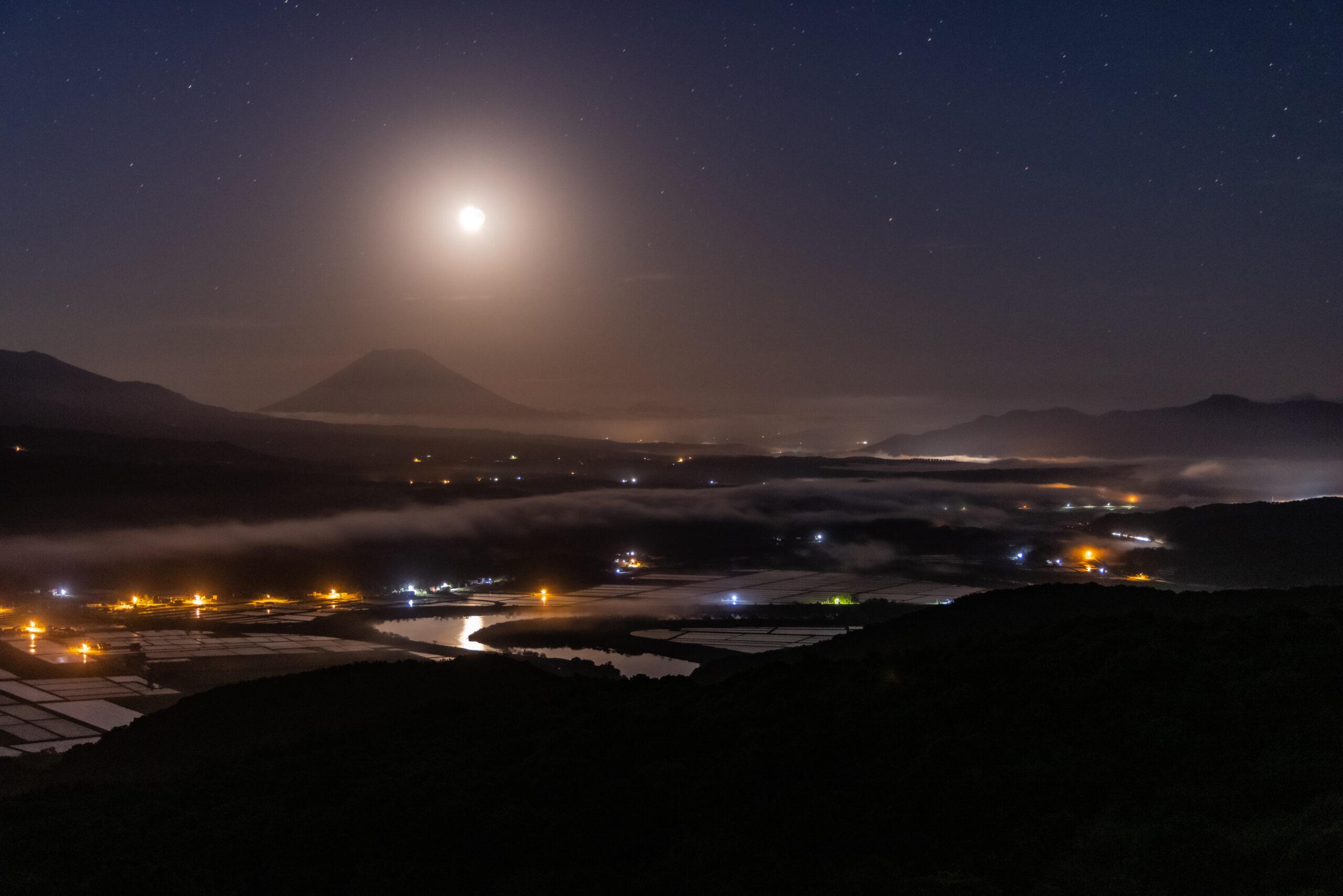 夜の礒谷牧場